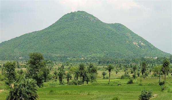 Susunia Hills_picture courtesy-trendyfeeds