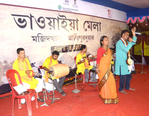 Renowned artist Nazrul Islam performing at Mela 5