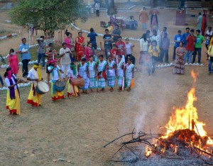 Tourists enjoying tribal dance at Nimdih