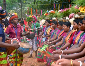 Tribal performance at Tepantar